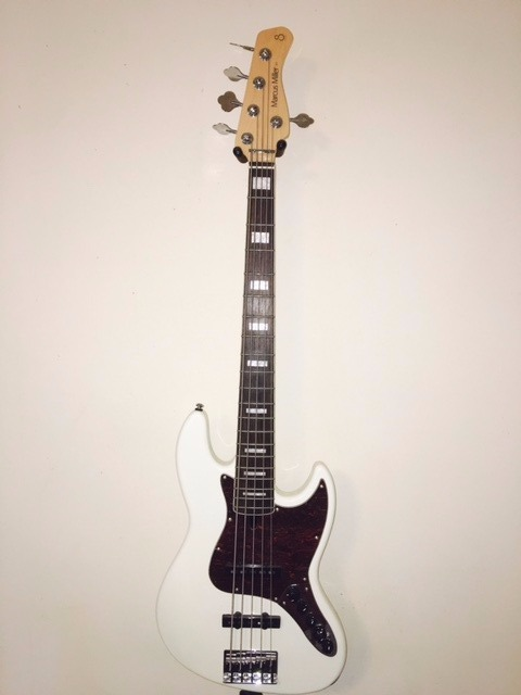 Sire Marcus Miller 5 String Bass